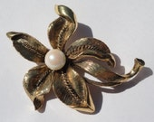 Vintage flower brooch, jewelry, designer costume jewelry, vintage flower brooch, signed m jent, mjent brooch