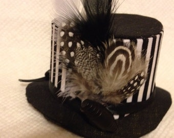 Mini top hat black and white
