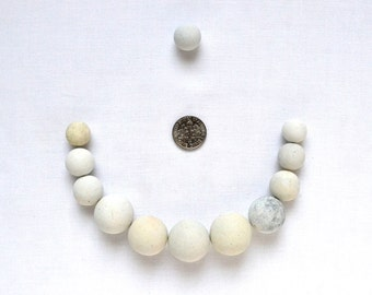 English Beach Finds - Wilma's Pearls -  Lot  DC375