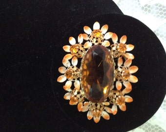 SUCH a LOVELY BROOCH - A Real Vintage Beauty - Nice Size