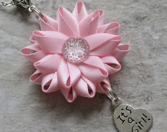 Baby shower necklace ideas