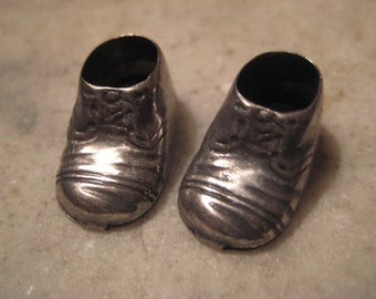Vintage Silver Plated Baby Bootie Charms;  Baby Shoe Charms, Drops, 18mm, 1 Pair