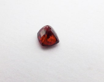 Spinel. Natural. Red. CuSHION. Native Cut.  1 pc. 0.94 cts. 5x6x4mm (SP45A)
