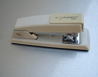 Vintage Swingline small desk stapler