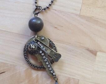 Stempunk key necklace