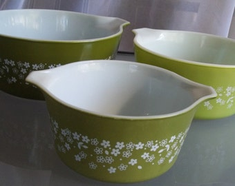 Crazy Daisy Pyrex Casserole Dishes, Vintage Pyrex, Green Daisy Pattern, Kitchen, Baking Dishes, Green and White