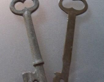 Skeleton Keys, VintageKeys, Set of Two, Industrial, Rusty, Jewelry Accessory, Crafting, Heavy Duty Metal Keys