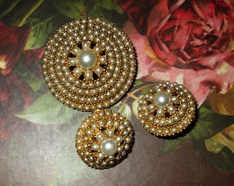 Earrings & Brooch Gold Tone Costume Faux Pearls Round Vintage Ornate Clip On Retro