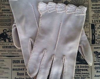 Vintage Elvette Gloves by Dawnelle, Ladies, Girls