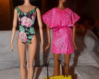 Black & pink floral swimsuit, pink cover-up and yellow tote bag set for Fashion Dolls - ed602