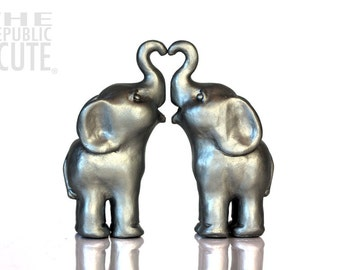 gold elephant wedding cake topper gold elephant wedding cake toppers decorated by republicofcute 14752