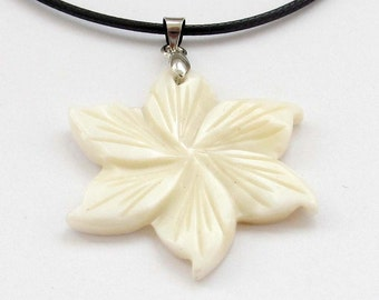 Natural Shell Carved Flower Charm Pendant Leather Cord Necklace 30mm x 30mm  T3118