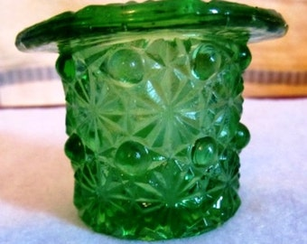 LABORSALEWEEK Vintage Emerald Green Small Glass Daisy & Button Top Hat