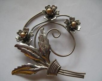 Destash Vintage Brooch