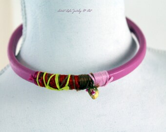 FREE SHIPPING- leather necklace- hot pink BOHO choker- gold-plated sterling silver-  circle charm- Geometric- vintage supplies- shabby chic