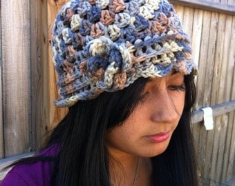 Neutral multicolored flower hat