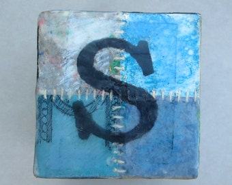 """Wall piece, letter """"S"""", wooden block"""