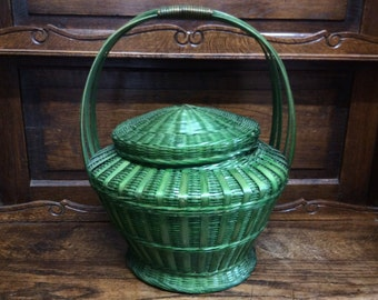 Vintage Chinese green bamboo basket with handle and lid circa 1970's / English Shop