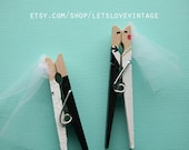 Custom Bridal Shower Favors - Wedding Favors - 60 Handpainted Bride Groom Kissing Clothespins