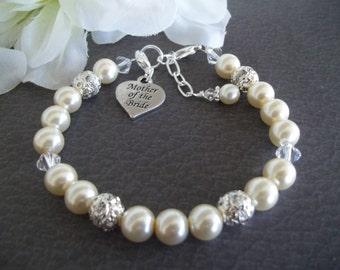 Mother of Bride Bracelet,Gift for Mother of Bride,Swarovski Pearl Bracelet,MOB Charm,Mother of The Bride Charm Bracelet,Cream White Pearls