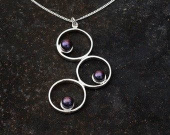 3 Circle Pendant with freshwater pearls