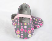 RETRO DOTS-Grey, Pink, Green, Lime Girl Soft Soled Shoes Baby Booties