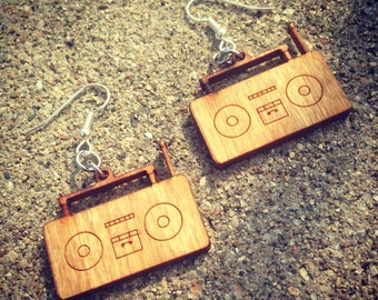 Natural Stereo Earring