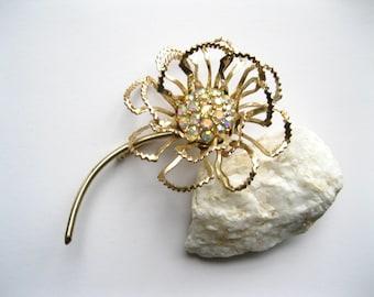 Sarah Coventry Brooch Allusion Aurora Borealis Rhinestone Flower Vintage Pin