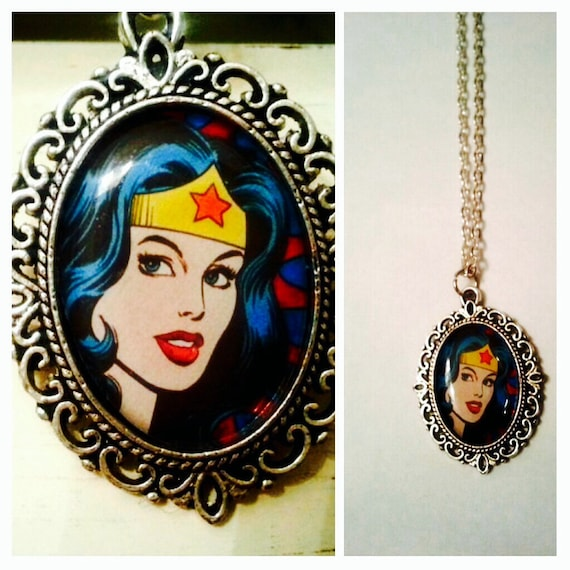 wonder woman necklace wonder woman cameo by thefangirlsattic. Black Bedroom Furniture Sets. Home Design Ideas