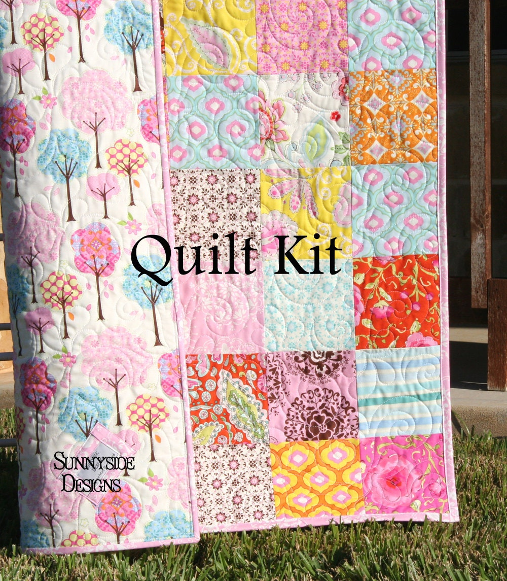 Quilt kit pretty little things baby patchwork girl crib - Do it yourself moda ...