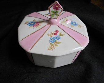 Vintage 1950s to 1960s Pink/White Dainty Trinket Dish Cover Japan Forget Me Not Flowers Blue and Pink Floral Design 1950s to 1960s Bath/Bed