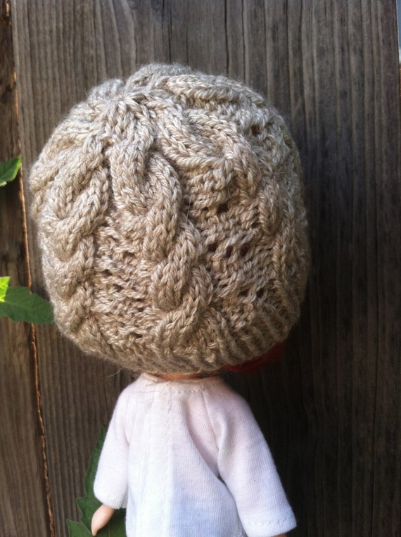 Knitting pattern Hermione Hat for Middie Blythe