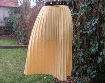 Pleated Skirt / Pleated Skirts / Skirt Vintage / Yellow Pleated Skirt / Accordion Skirt / Size EUR 42 / 44 / UK14 / 16 / Bellow Knee