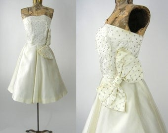 Vintage 50s Dress, Vintage Ivory Satin Dress, 1950s Strapless Dress, Vintage Bridal Dress, 50s Wedding Dress, 50s Prom Dress, 50s Strapless
