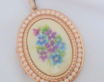 Vintage Avon Floral and Faux Pearl Locket