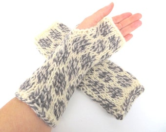 """Mittens/Fingerless gloves """"Hellisey"""", organic wool, natural, eco friendly, knitted, mottled, white, dark gray, grey, OOAK, one of a kind"""