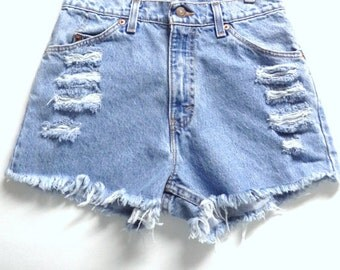 LEVIS High Waisted Cut Off Denim Shorts Waist 28 inches