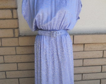 Vintage 80s Silk Dress . Lavender Jacquard Print . Button Back Size Medium
