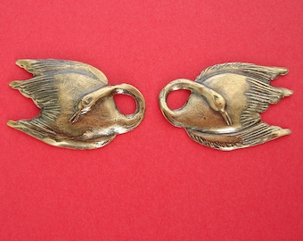 2-Swan Ox   Brass Stamping Ornament Pendant Jewelry Findings Left and Right.