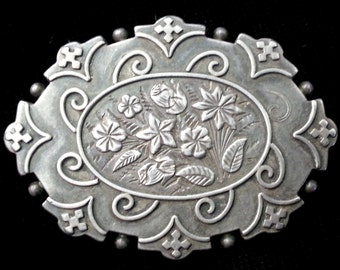 Sterling Silver Victorian Brooch w/ Floral Design