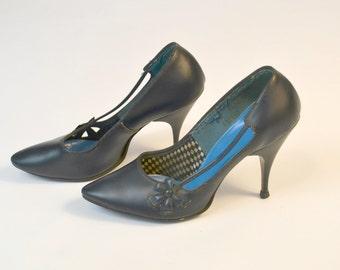 1950s/1960s Dark Blue Pumps, Heels, Kitten Heels by Aldens Size 6, 36-37