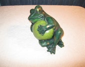 Concrete Lounging Frog Garden statue Yard Art Relaxing Toad