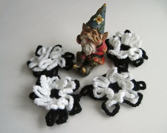4 Flower Appliques - Crochet in Black and White - Loopy Pedals (Set of 4)