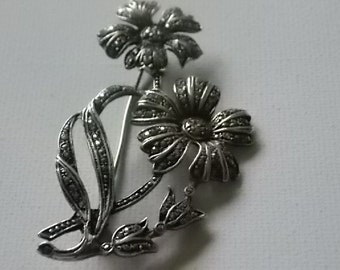 Silver Marcasite Flowers Brooch Pin  Pretty and BIG