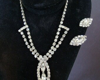 16 inch RHINESTONE NECKLACE with matching earclips. Ears are 1 inch tall.. 40s-50s  period set
