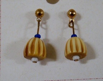 EARRINGS  LITTLE BELLS these post back earings are quite light & very mobile glass bead earrings.