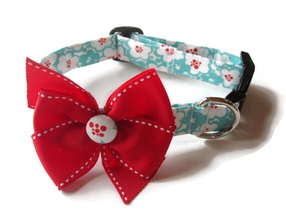 Trendy Red and Turquoise Floral Dog Collar size Medium