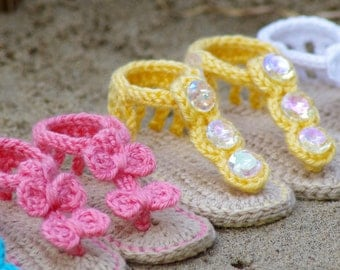 Crochet Baby Pattern Sandals - Free barefoot sandal pattern and 2 versions included with purchase number 211 Instant Download kc550