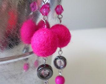 Boucles d'oreilles rose en acier inoxydable (hypoallergique) / Pink stainless steel earrings (Hypoallergic)