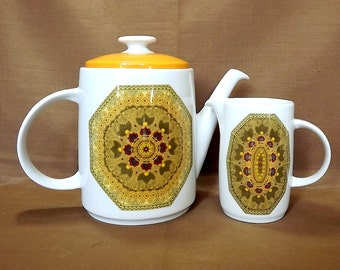 Royal Doulton teapot and milk jug, creamer, Parquet pattern, 1970s